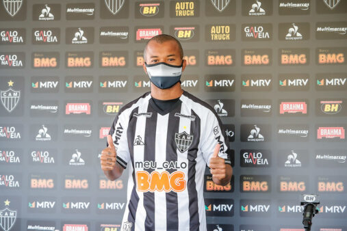 Mariano conversou com Flamengo e Inter.