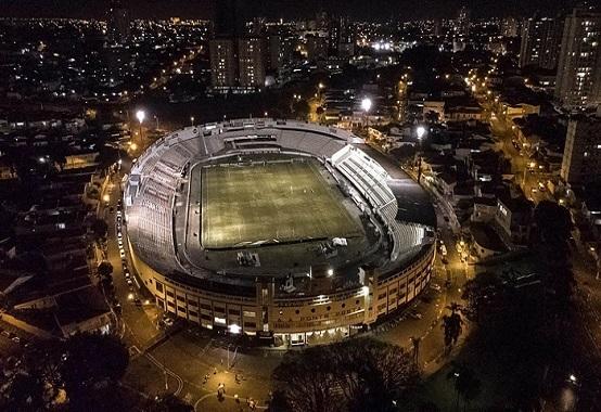 O confronto desta sexta (4) será realizado no estádio Moisés Lucarelli, o Majestoso, em Campinas (Foto: Divulgação/ Facebook oficial AA Ponte Preta)