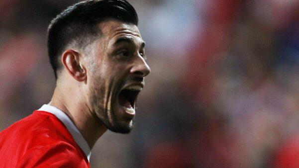 Pizzi em ação pelo Benfica