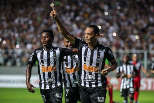 Corinthians está perto de assinar com jogador do Atlético-MG