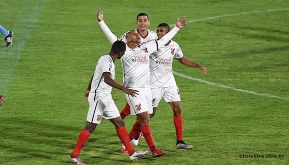 Como assistir Athletico x Colo-Colo AO VIVO (Foto: Divulgação/ CAP/ Site oficial Athletico Paranaense/ athletico.com.br)