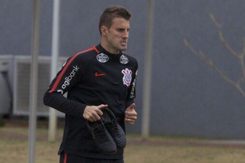 Henrique vai atuar no Campeonato Português.