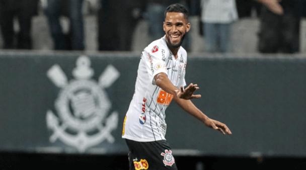 Carille, saída de jogadores, possível reforço e mais: as notícias do Corinthians nesta sexta