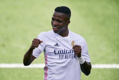 Vinicius Jr busca sucesso no Real Madrid.