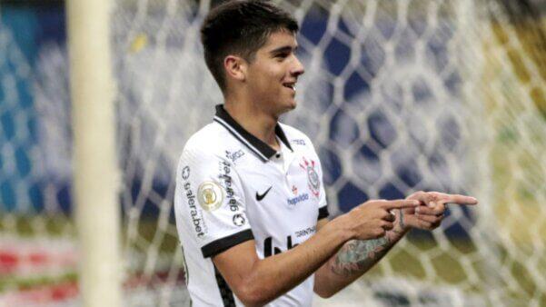 Ángelo Araos em ação pelo Corinthians