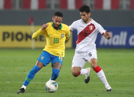 """Zagueiro peruano diz que Brasil recebeu """"ajuda"""" para vencer o Peru"""
