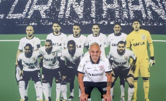Fabio Santos no Corinthians