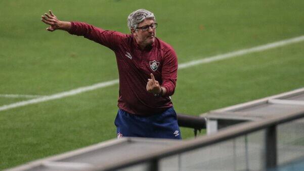Odair Hellmann em ação pelo Fluminense