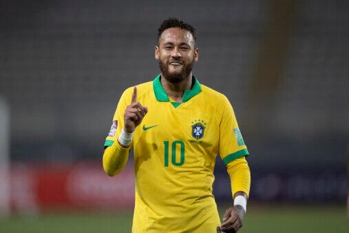 Neymar ultrapassou Ronaldo.