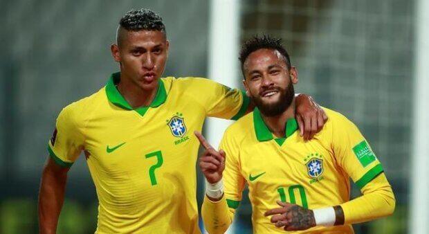 Globo x SBT: emissoras voltam a disputar a transmissão dos jogos da Seleção Brasileira