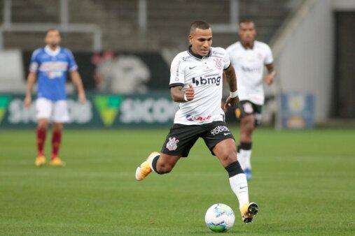 Provável escalação Corinthians x Flamengo Brasileirão