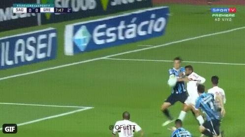 São Paulo Grêmio pênalti