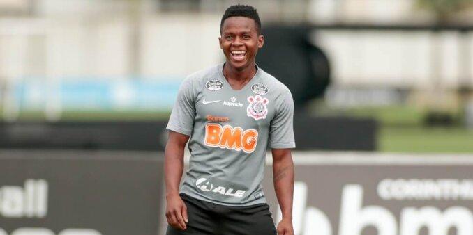 Corinthians deve renovar com Cazares e Otero, diz site