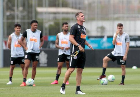 Mancini em treino no Corinthians