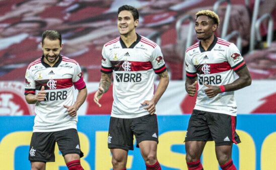 Flamengo segue liderando ranking digital.
