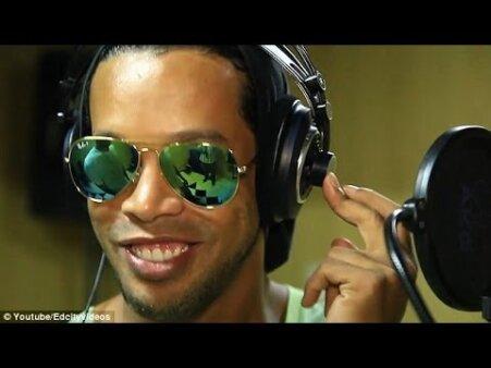 Ronaldinho Gaúcho vai fazer música com Djonga, Sidoka e Mc Rick