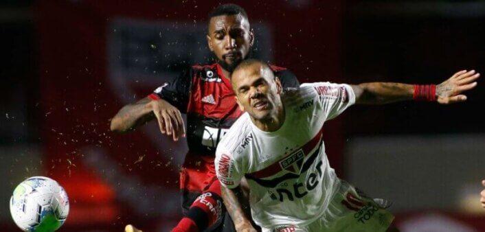 Após partida, Daniel Alves manda recado para Gerson