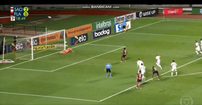 São Paulo x Flamengo: Vitinho errou pênalti
