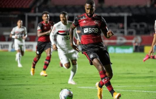 De olho no cartão! Flamengo tem 4 jogadores pendurados contra o Santos