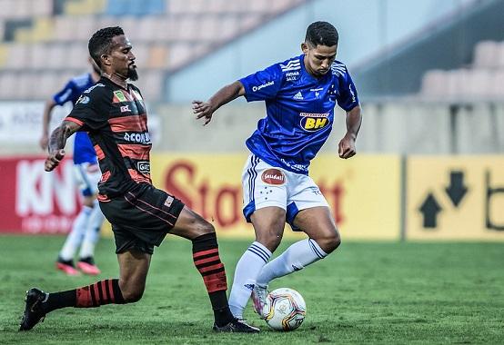 No jogo do primeiro turno da Série B, disputado na Arena Barueri, Oeste e Cruzeiro empataram em 0 x 0 (Foto: Gustavo Aleixo/ Reprodução/ Flickr oficial do Cruzeiro EC)