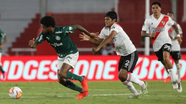 Válido pela Libertadores, o duelo entre Palmeiras e River Plate é uma das atrações desta terça (12)