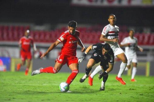 Abel Braga comemora resultado anormal contra o São Paulo, mas promete foco na reta final do Brasileirão (Foto: Ricardo Duarte/ Reprodução/ Flickr oficial do SC Internacional)