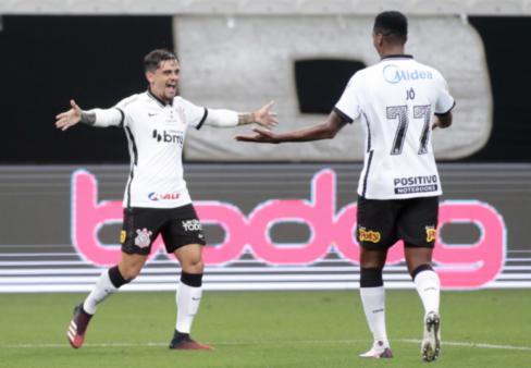 Corinthians 5 x 0 Fluminense Fagner Jô