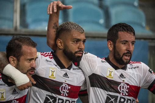 Flamengo venceu no Brasileirão.