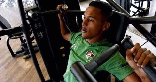 Daniel Lima em ação pelo Fluminense