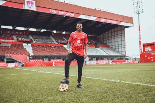 Jean Lucas foi emprestado pelo Lyon ao Brest