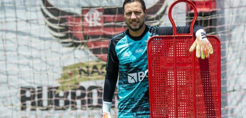 Flamengo tem dúvidas para encarar o Goiás