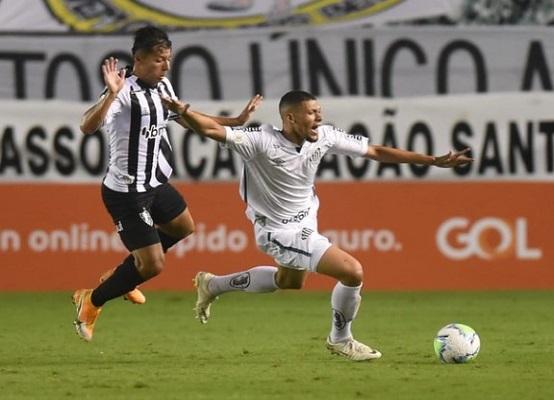No jogo do primeiro turno do Brasileirão, o Santos venceu o Atlético-MG pelo placar de 3 x 1 na Vila Belmiro (Foto: Ivan Storti/ Reprodução/ Flickr oficial do Santos FC)
