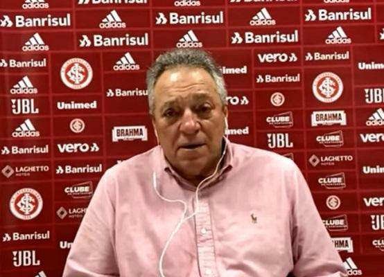 O técnico Abel Braga em entrevista coletiva após o jogo contra o São Paulo (Foto: Reprodução/ Canal do SC Internacional no YouTube)