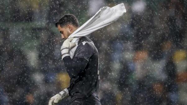 Renan Ribeiro em ação pelo Sporting