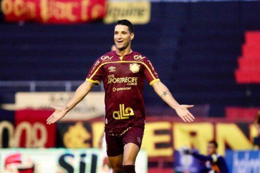 """Thiago Neves destaca vitória e chama a responsabilidade: """"Sport depende muito de mim"""""""