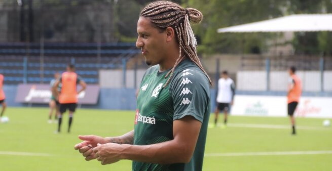 Felipe Gedoz em ação pelo Remo