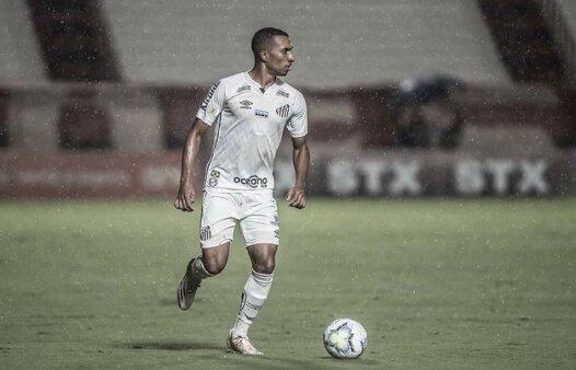O atacante Lucas Braga, do Santos
