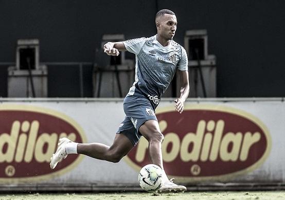 O atacante Lucas Braga durante treinamento no CT Rei Pelé (Foto: Ivan Storti/ Reprodução/ Flickr oficial do Santos FC)