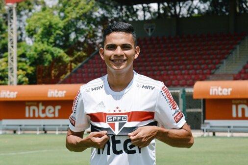 Interesse em Claudinho, chegada de reforço e mais: veja as noticias do São Paulo nesta quarta (17)
