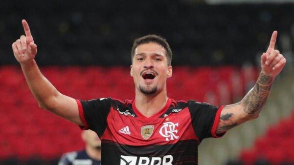 Matheus Thuler em ação pelo Flamengo mercado da bola