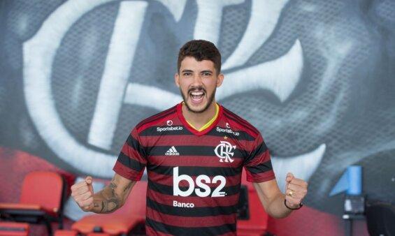Gustavo Henrique em ação pelo Flamengo