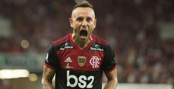 Flamengo Rafinha mercado da bola
