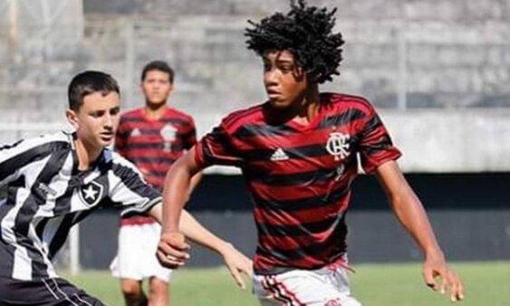Rayan Lucas em ação pelo Flamengo