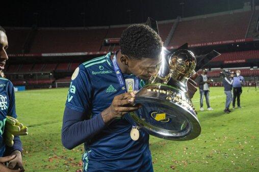 Hugo Souza Flamengo responde Ronaldo Giovaneli