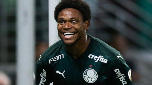 """Luiz Adriano evita falar em Bayern de Munique e pede foco no Tigres: """"Pensar no primeiro jogo"""""""
