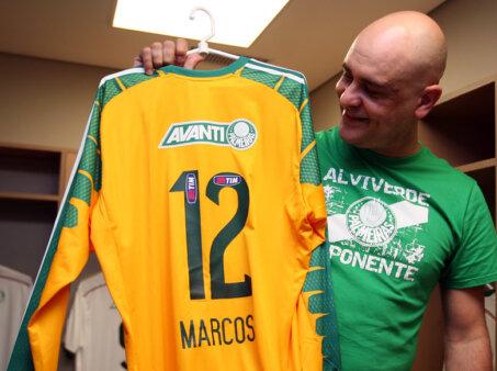 Ídolo do Palmeiras, Marcos ironizou piadas do Corinthians.