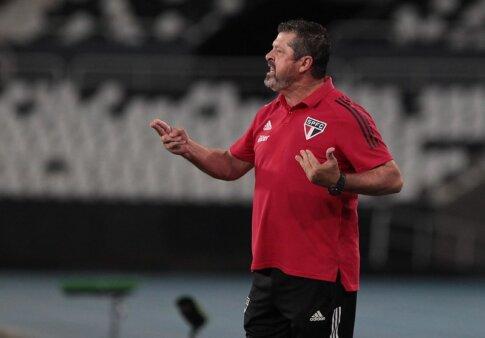 São Paulo encara o Flamengo.