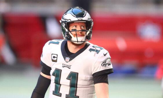 Carson Wentz é trocado para o Indianapolis Colts