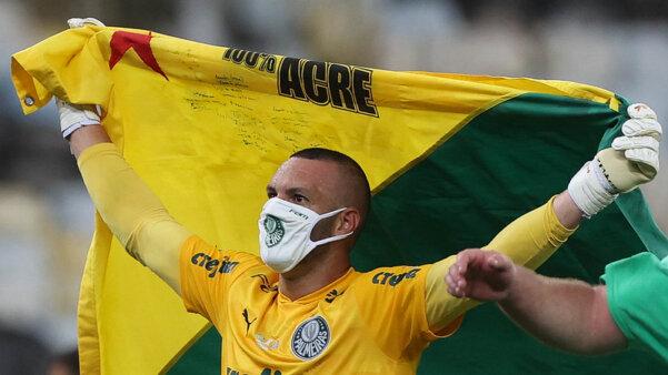 Weverton foi campeão da Libertadores da América pelo Palmeiras.