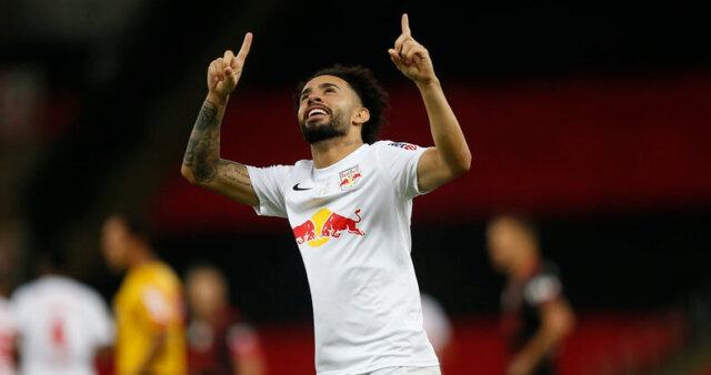 Claudinho foi especulado no Flamengo.